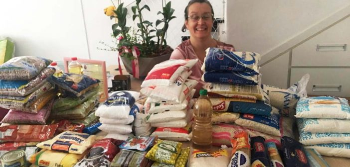 Doações de Alimentos para a Comunidade